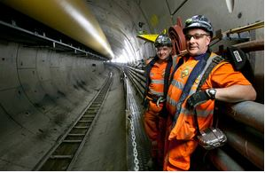 Trades boost as Crossrail is extended to Reading