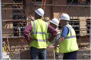 Government cuts taxes on new homes and boosts small builders